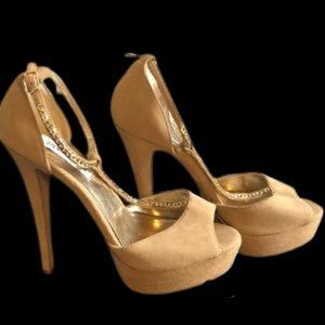 "Steve Madden beige pumps chains on straps 5"" heel."